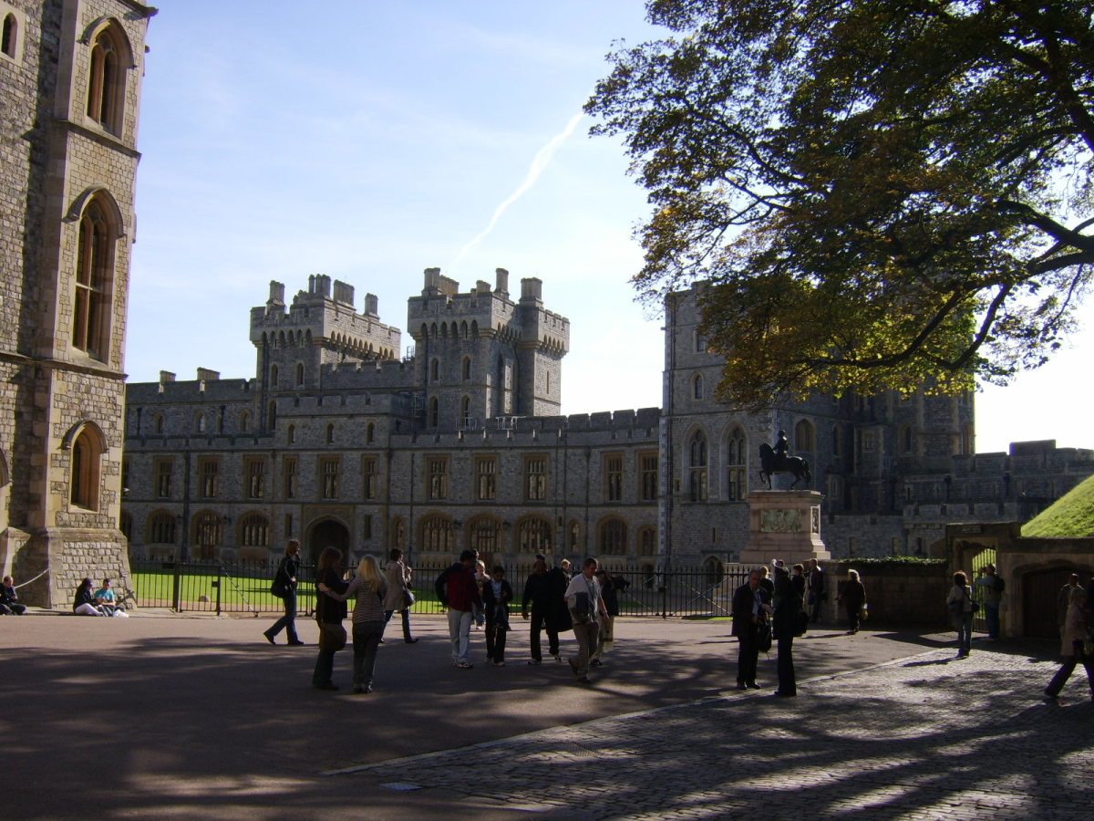 Beyond the South Wing of Windsor Castle is the Long Walk, a straight drive leading up to the castle