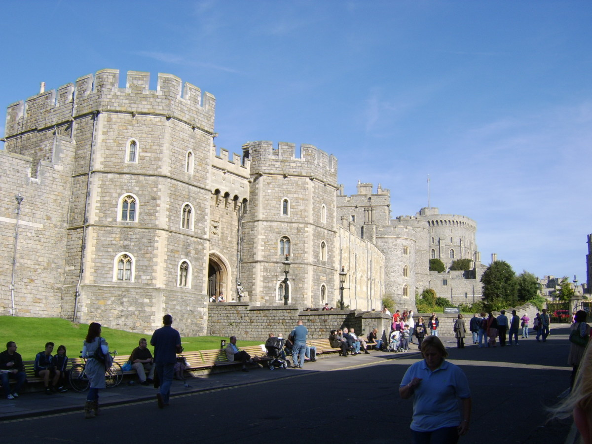Windsor Castle from the bottom of Castle Hill