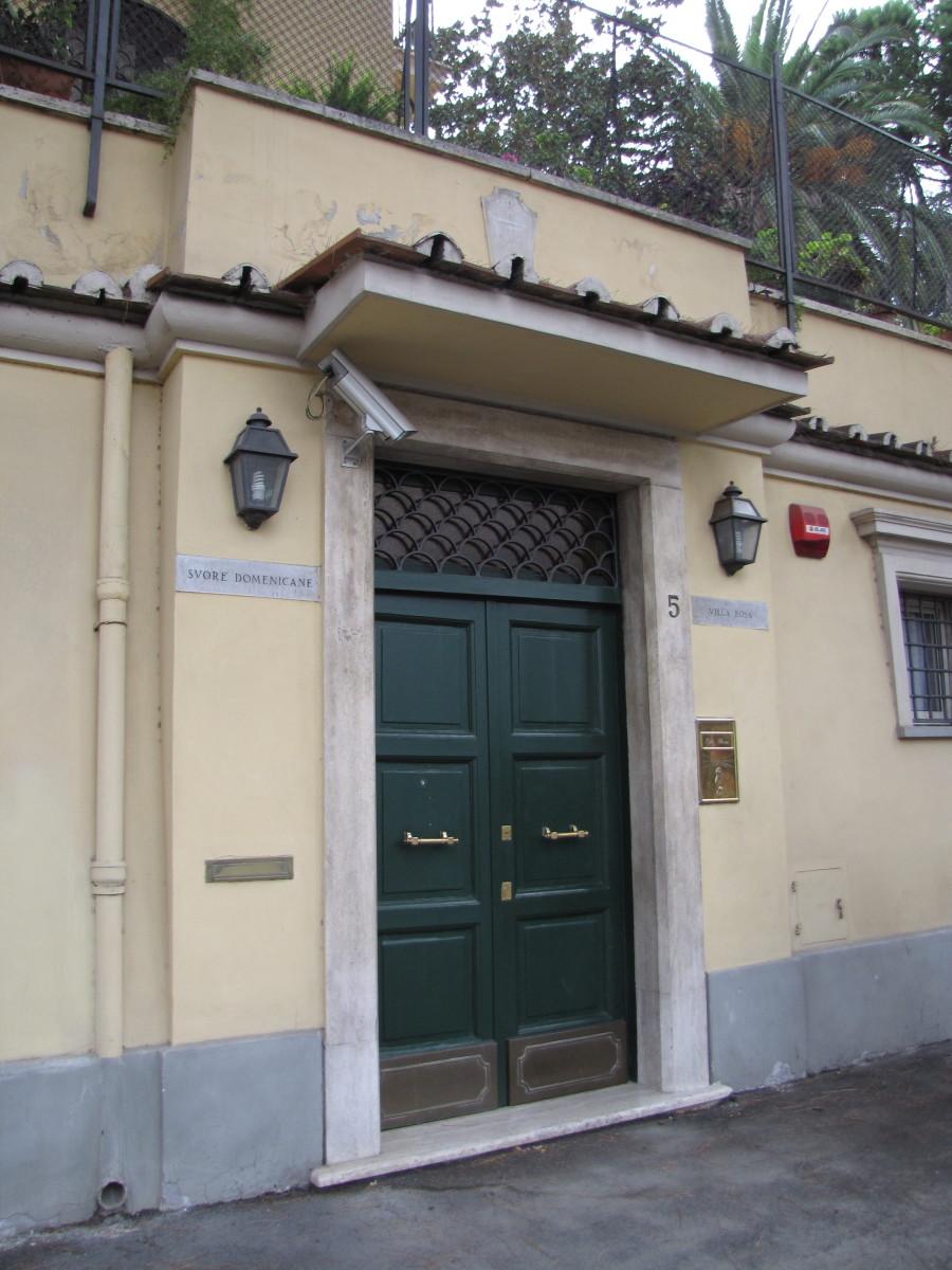 Outside entrance to Villa Rosa convent