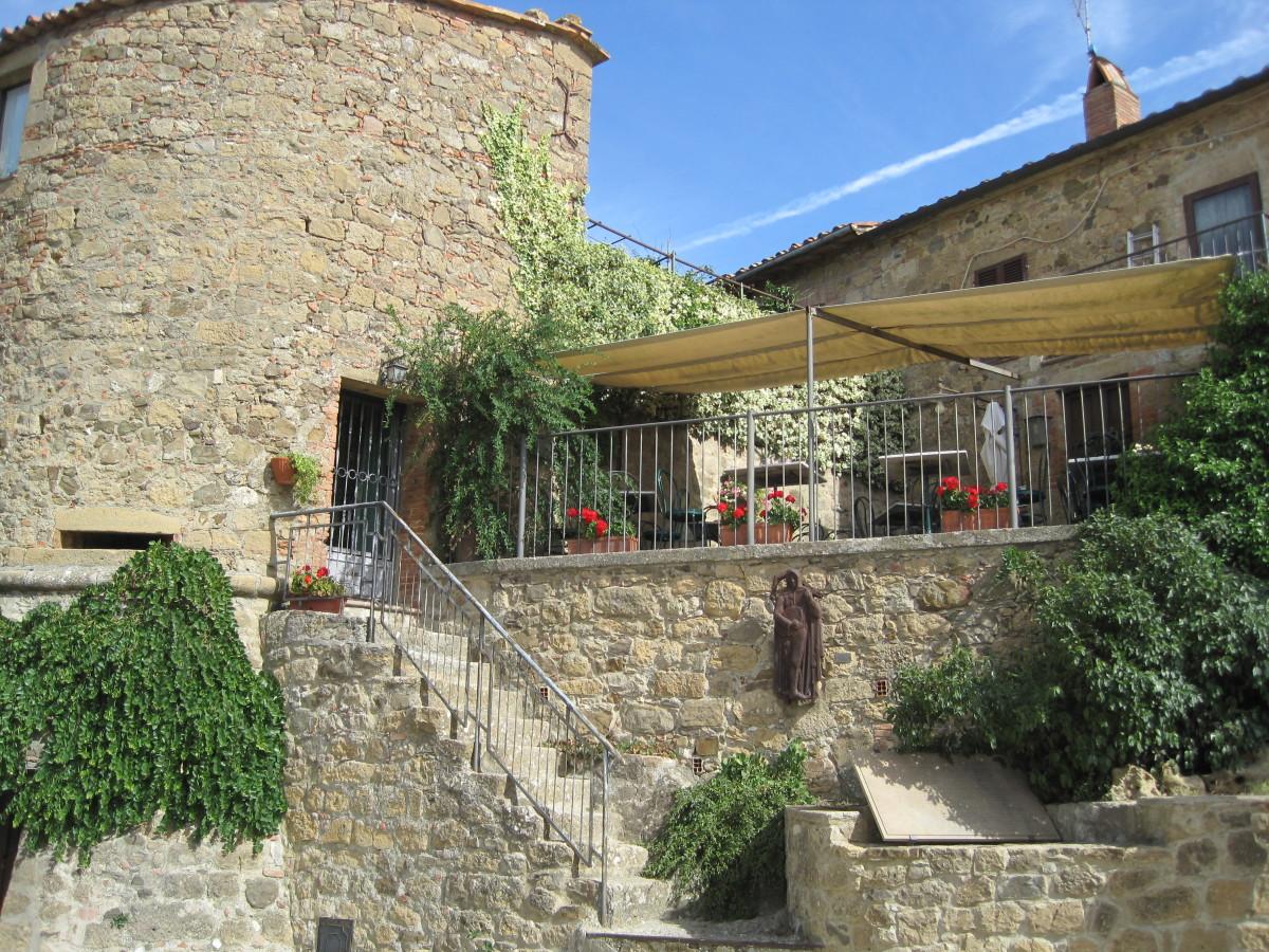 Outdooe terrace of Osteria La Porta