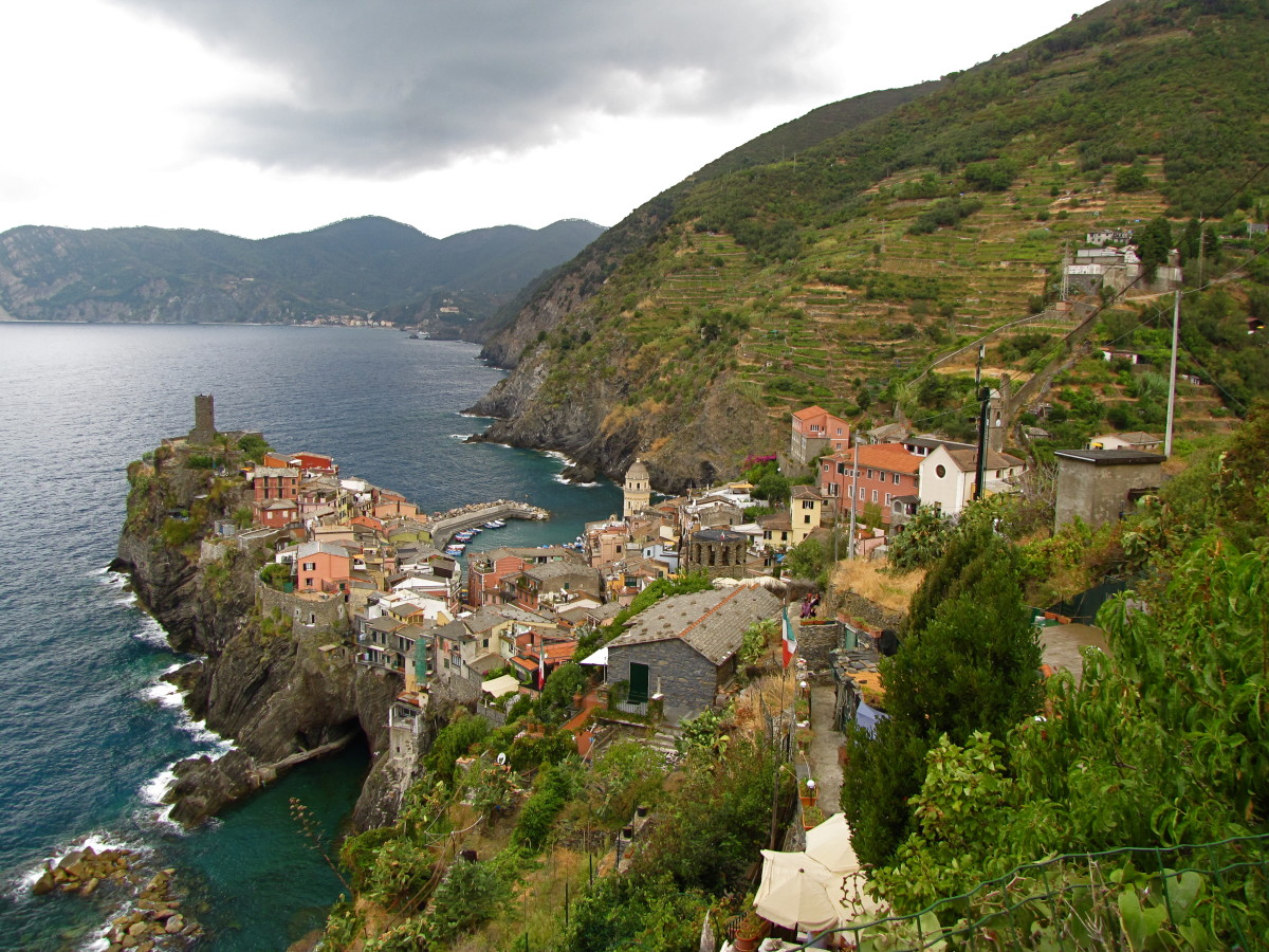 Heading into Vernazza