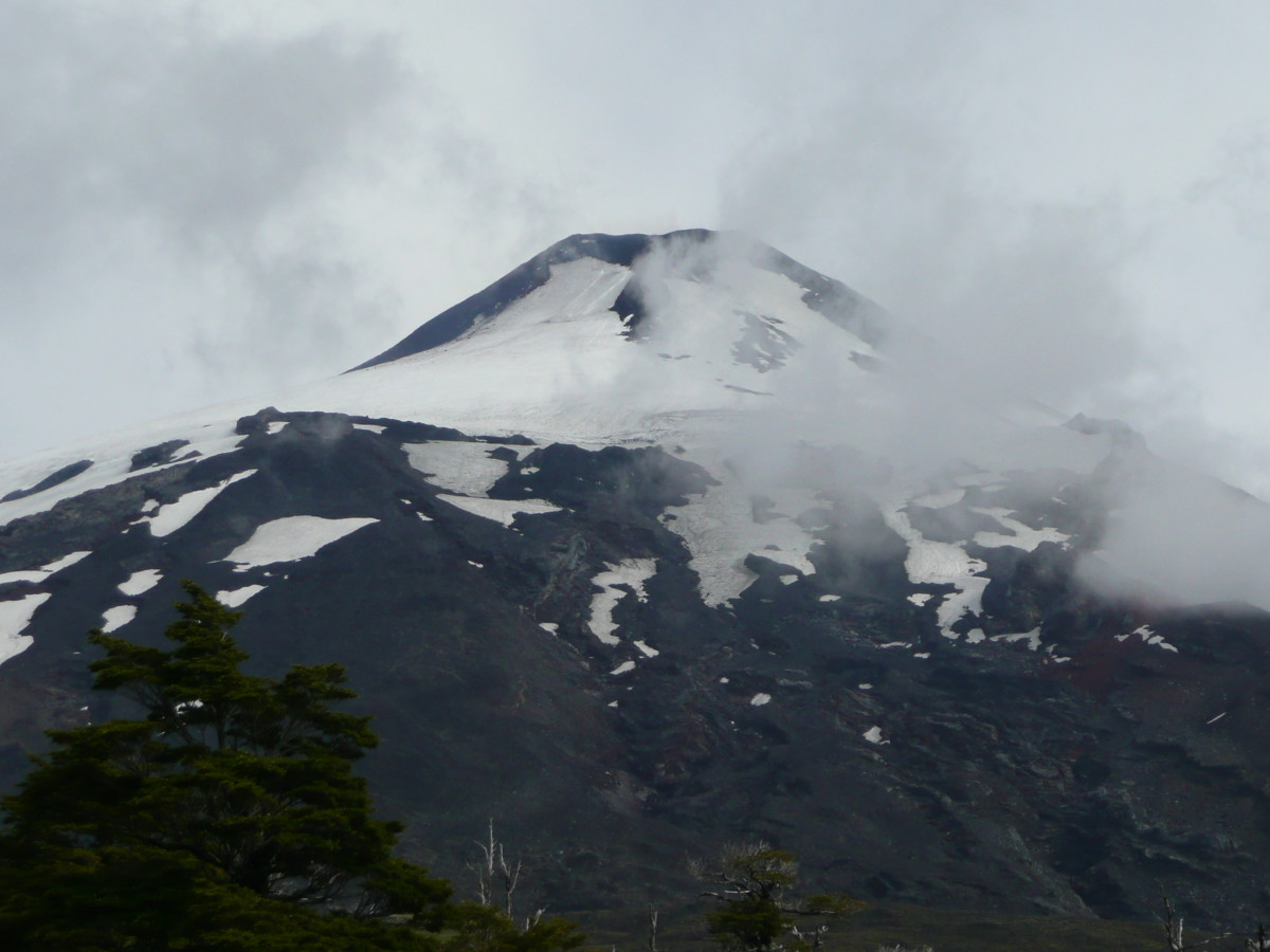 Volcan Villarrica was in a smouldering mood the day we went inside