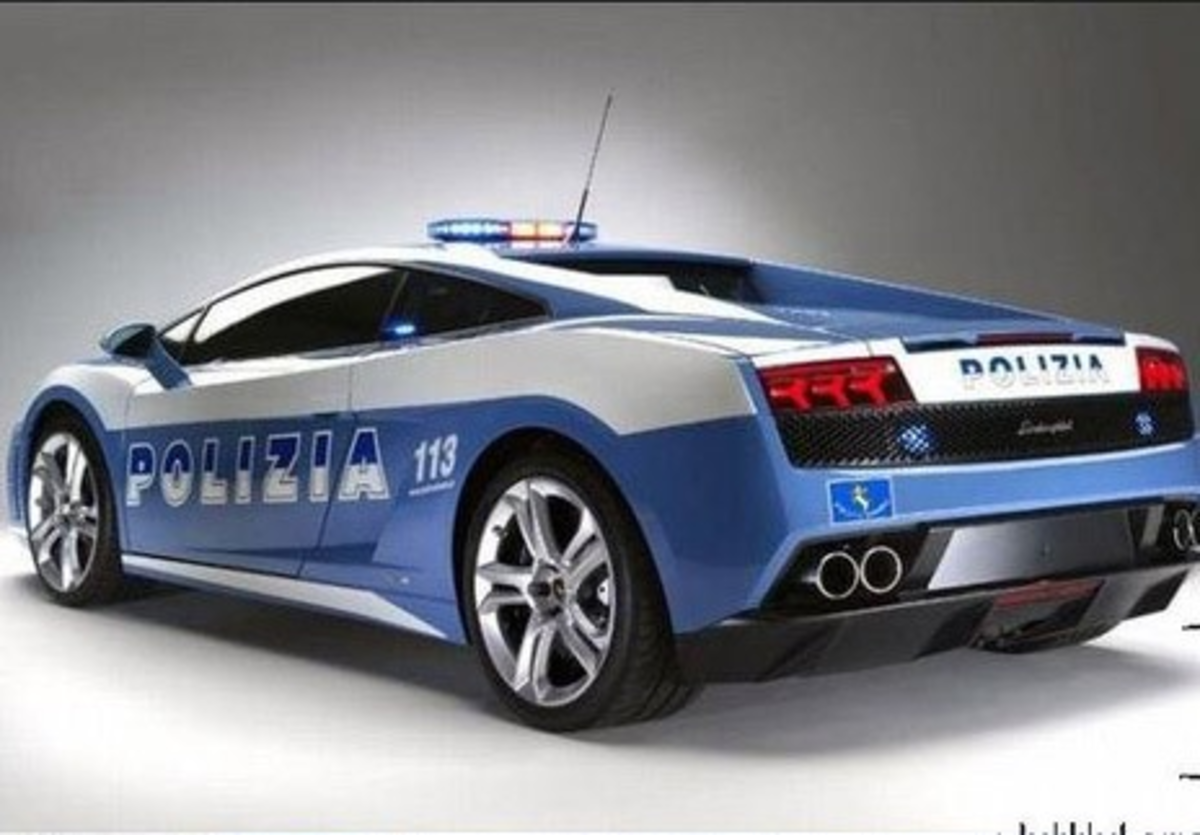 The Lamborghini Gallardo given by the automaker to the Italian police force.