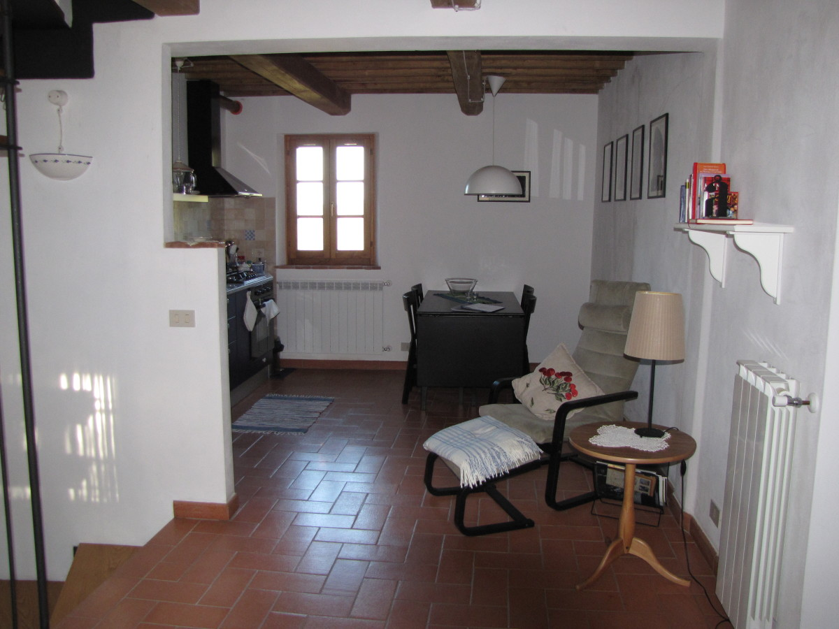 Casetta Livia, spacious common room and kitchen.