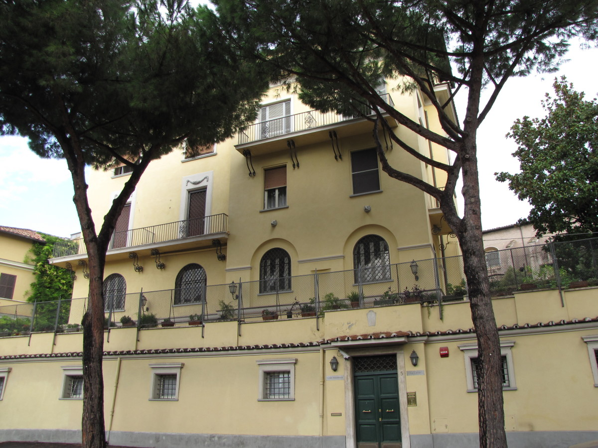 Villa Rosa Convent in Rome, not far from the Colosseum.  Huge clean rooms with high ceilings.  Paid 90 euro per night.