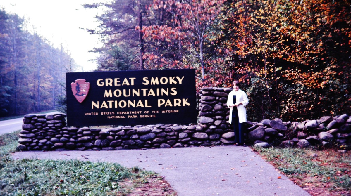 Entrance sign of the Great Smoky Mountains National Park