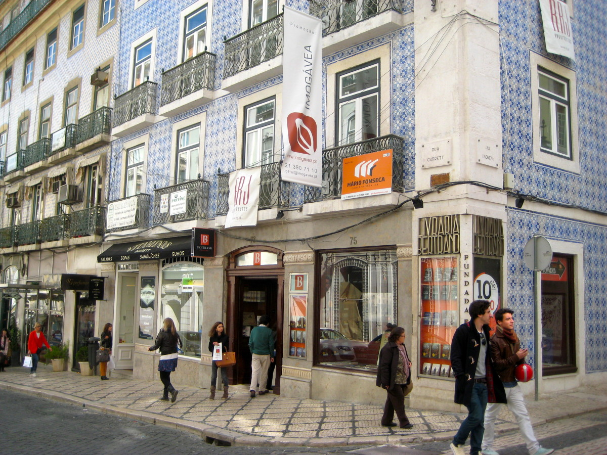 Bertrand bookstore (pictured above, located at the corner), was established in 1732, is located in the capital of Portugal - Lisbon.