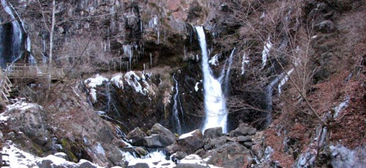 Urami falls and boardwalk in winter - icicles and freezing water everywhere!