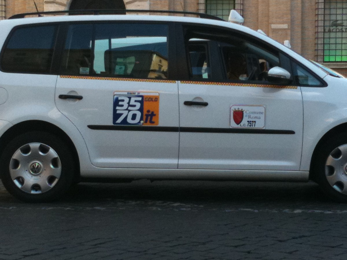 Licensed Rome Taxi.  Notice the License number on the door.