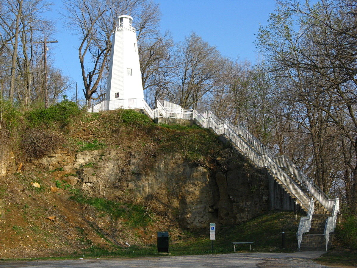 Mark Twain Memorial Lighthouse in Hannibal Missouri