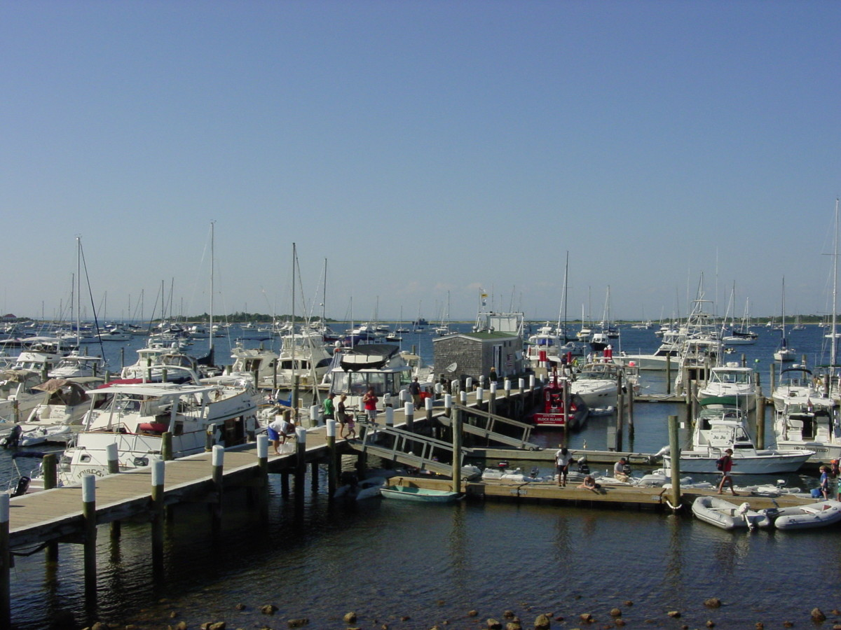 Boat Marina in New Harbor