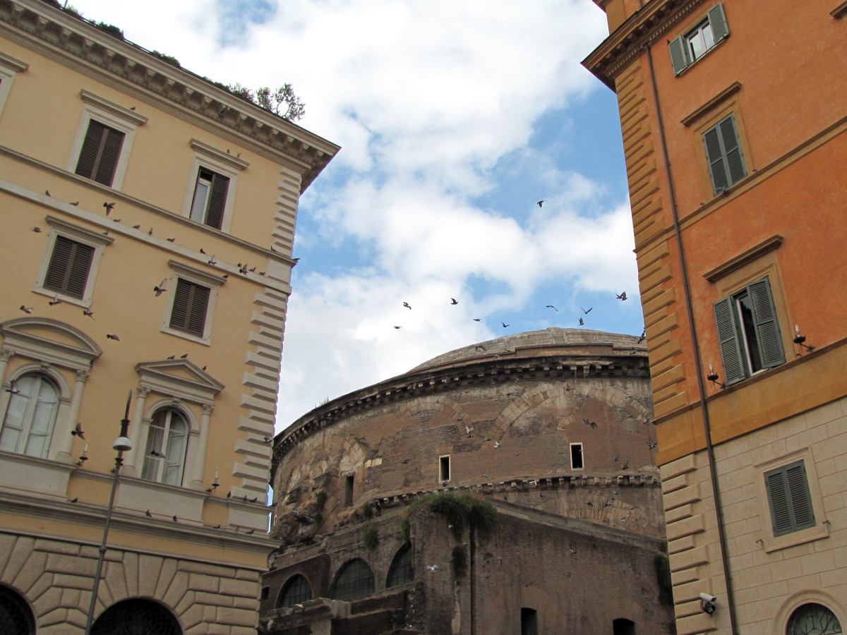 The Pantheon from the streets of Rome.