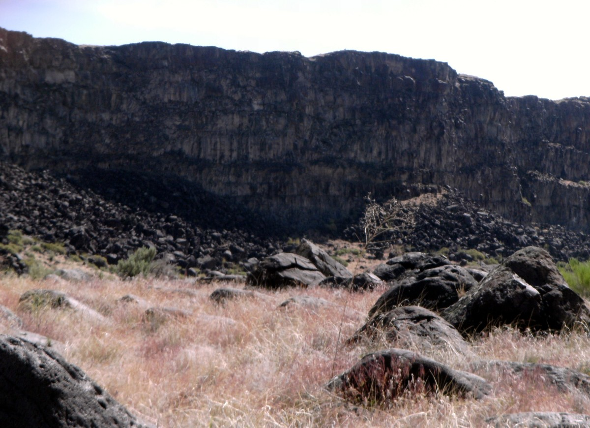 One side of the canyon, a popular nesting area for raptors.