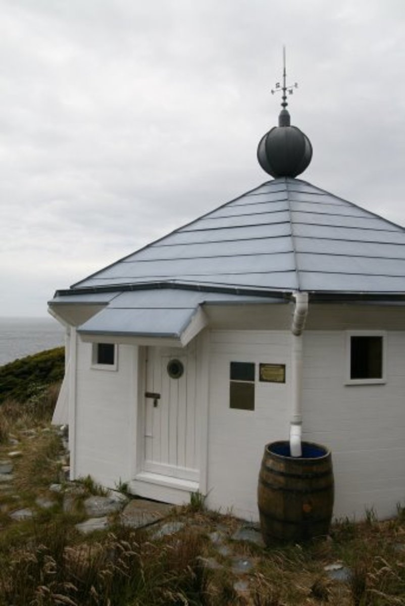 The present-day San Juan del Salvamento lighthouse, reconstructed in 1998.