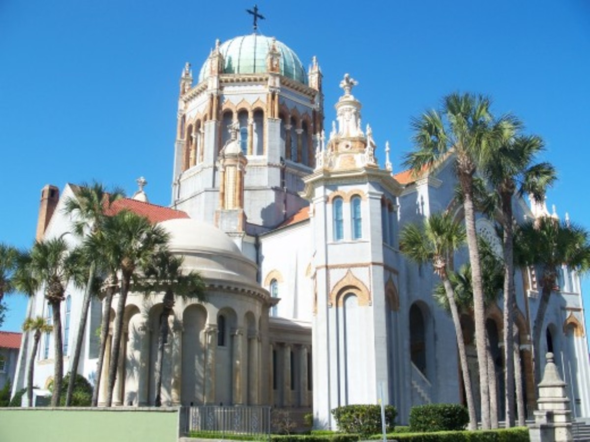 Inspired by St. Mark's Basilica in Venice and designed a New York Architects firm, the Memorial Presbyterian Church is an impressive building, both inside and out. It was commissioned by Henry Flagler and his body is interred inside.