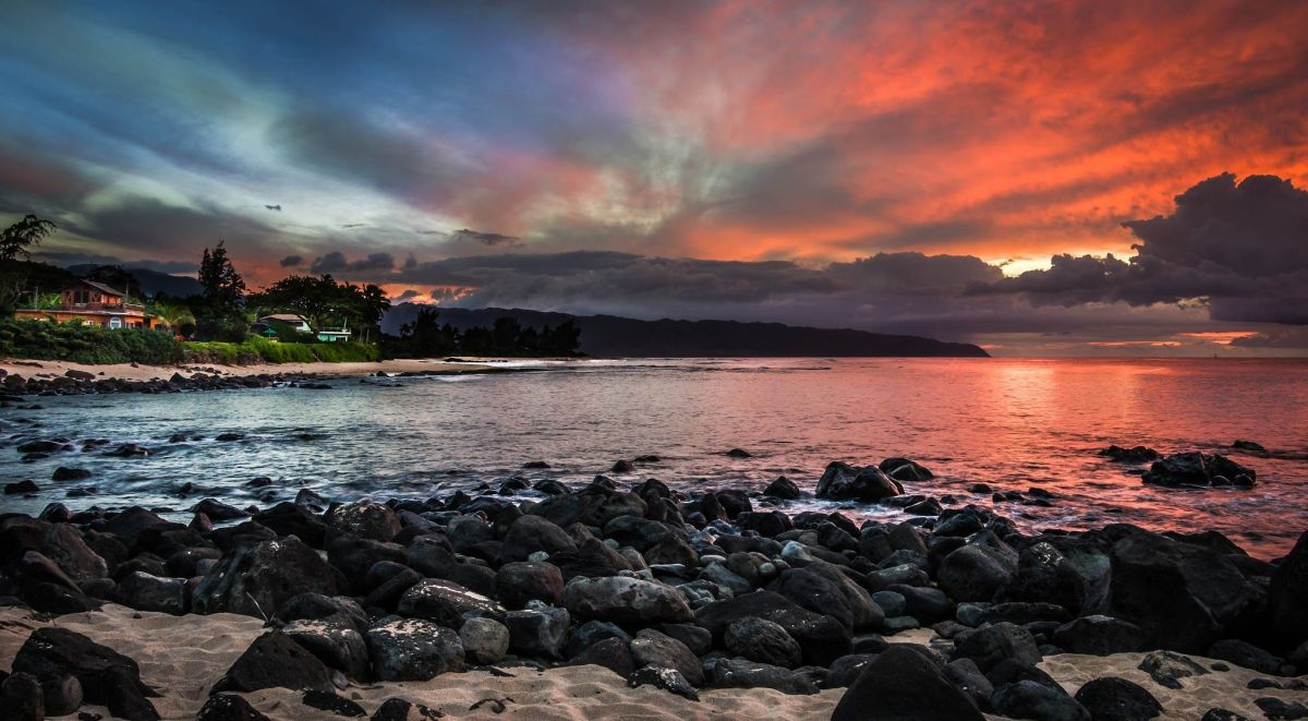 Wherever you are on the North Shore, look to the horizon at sunset. You'll be amazed.