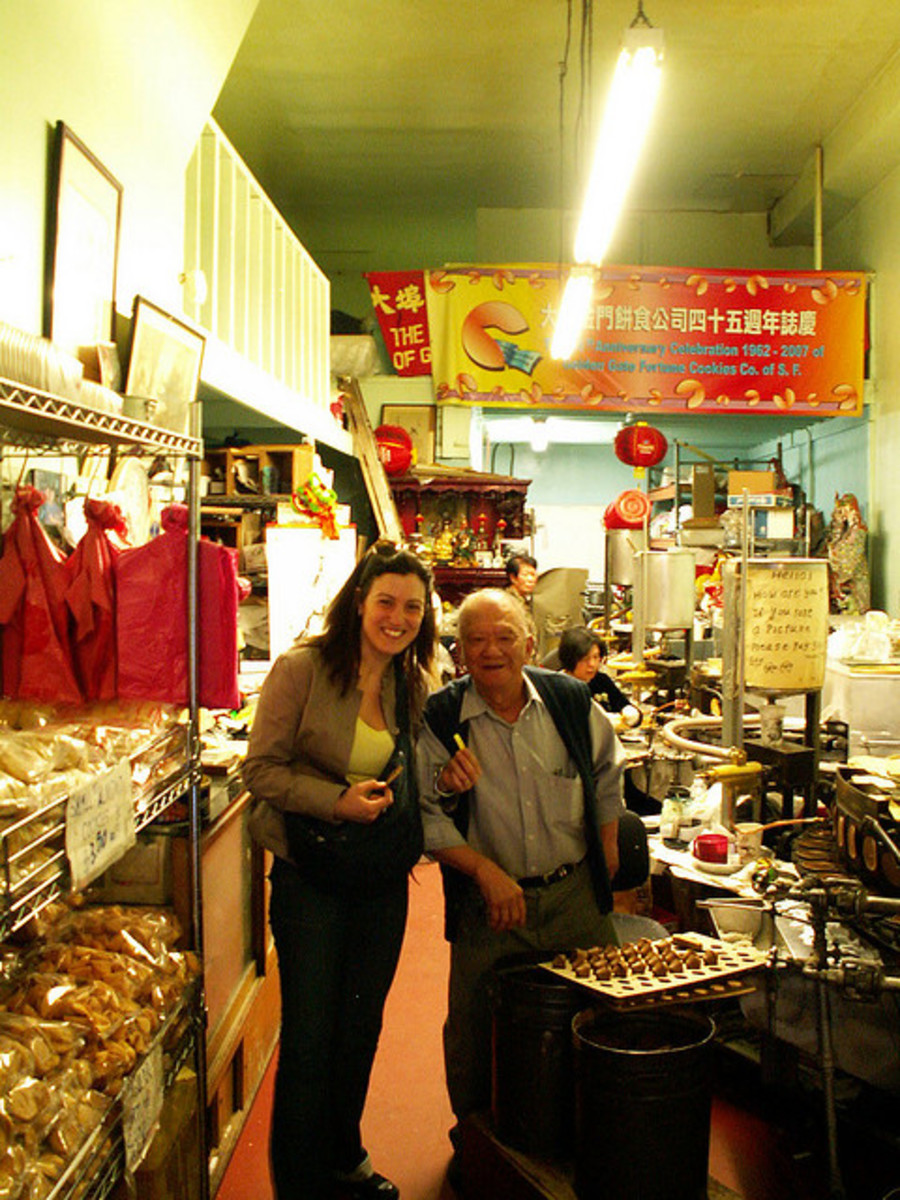 Some tourist's picture of the Golden Gate Fortune Cookie Factory. Now I want fortune cookies.