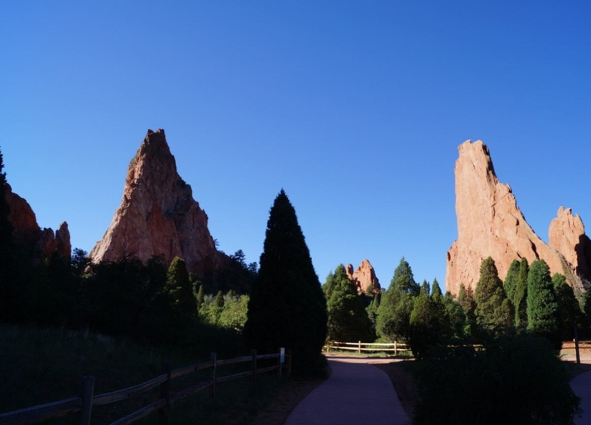 The Central Garden Trails leading out to Gray Rock and the Sleeping Giant Rock.