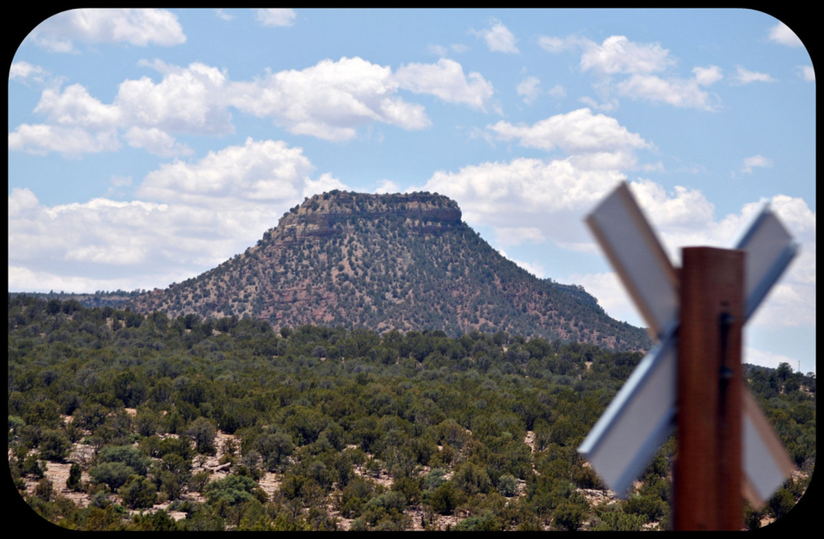 'Starvation Peak' From - Southwest Chief Legend has it that settlers were chased up the mountain and held there, surrounded by Indian warriors, until they succumbed to starvation. It was a prominent landmark and made for an interesting story around