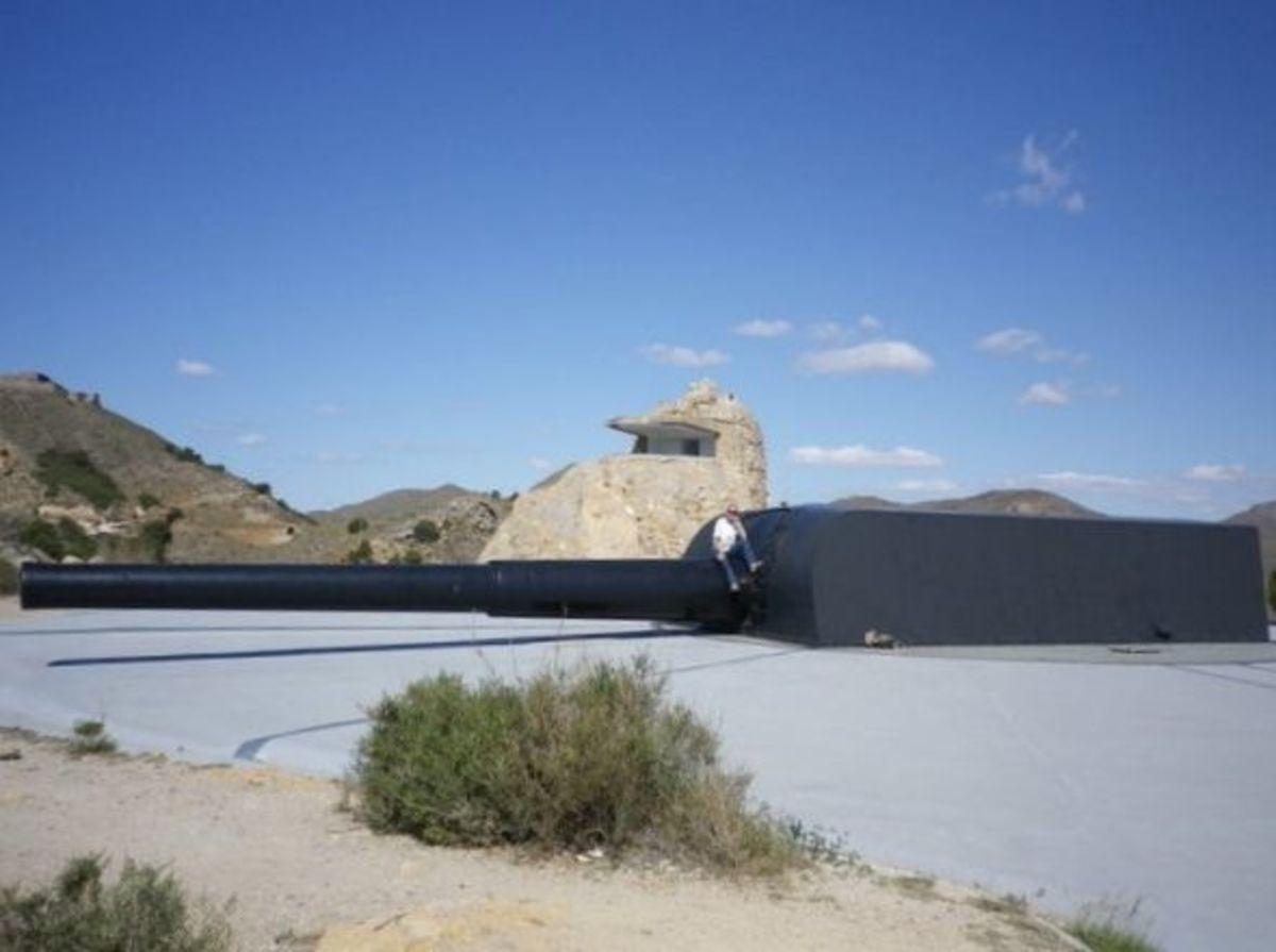 One of the Big Guns - Gun Barrel Length - 59 feet