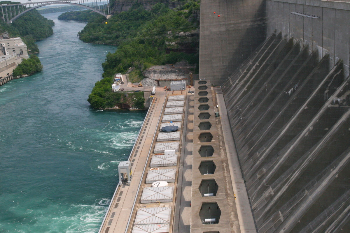 The spillway is fascinating to watch, as energy is created from the mighty Niagara River