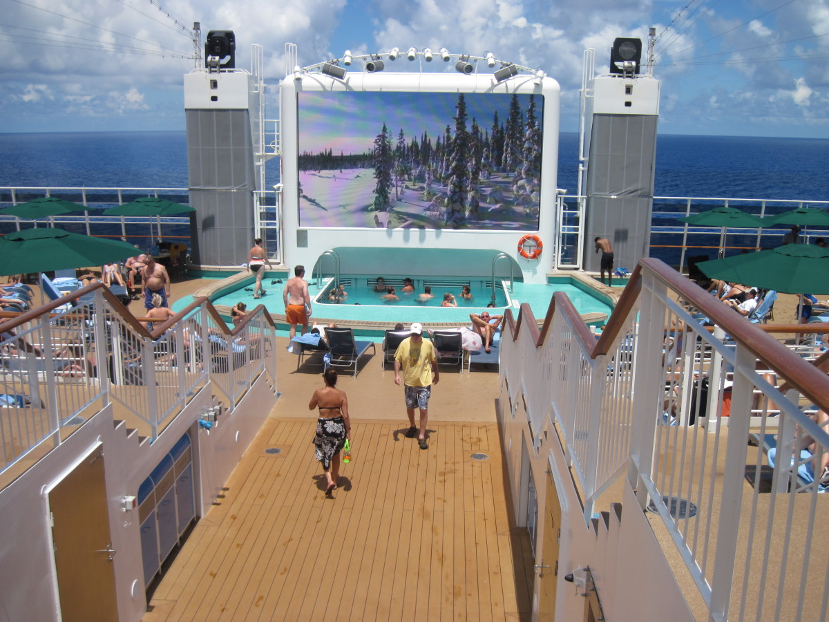 Spice2 O, a free Adults only swimming/sunbathing area on the back of the Epic. The screen had beautiful scenery shown all day long.