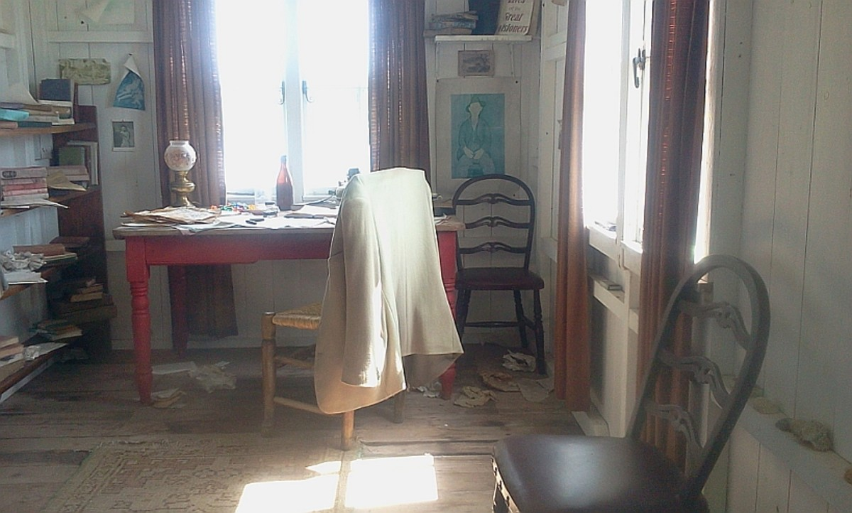 Interior of Dylan Thomas's 'Writing Shed'
