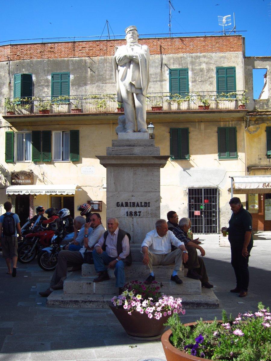 italian-customs-and-traditions-la-passeggiata