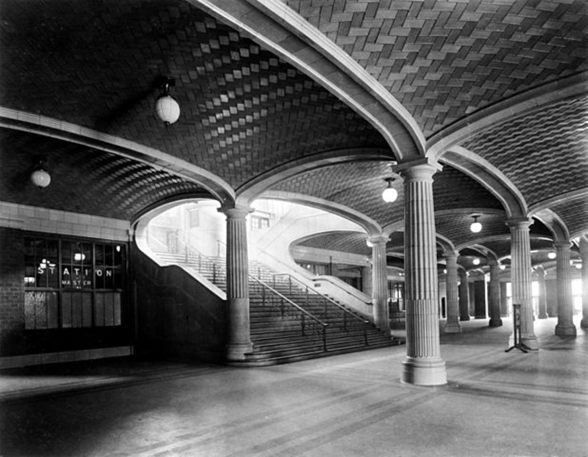 Interior of Chicago & Northwestern Station, circa 1912.
