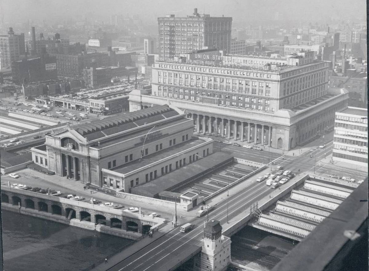Chicago's Union Station as seen from the air in 1962.