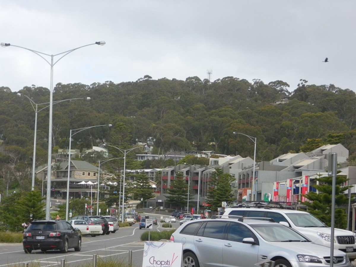 Lorne Town Centre