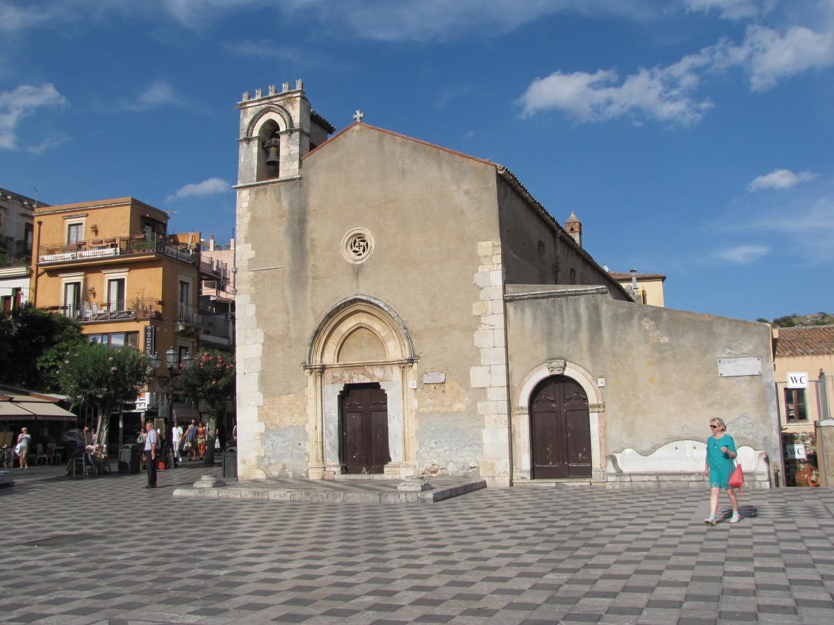 Piazza IX Aprile -St. Augustine's Church