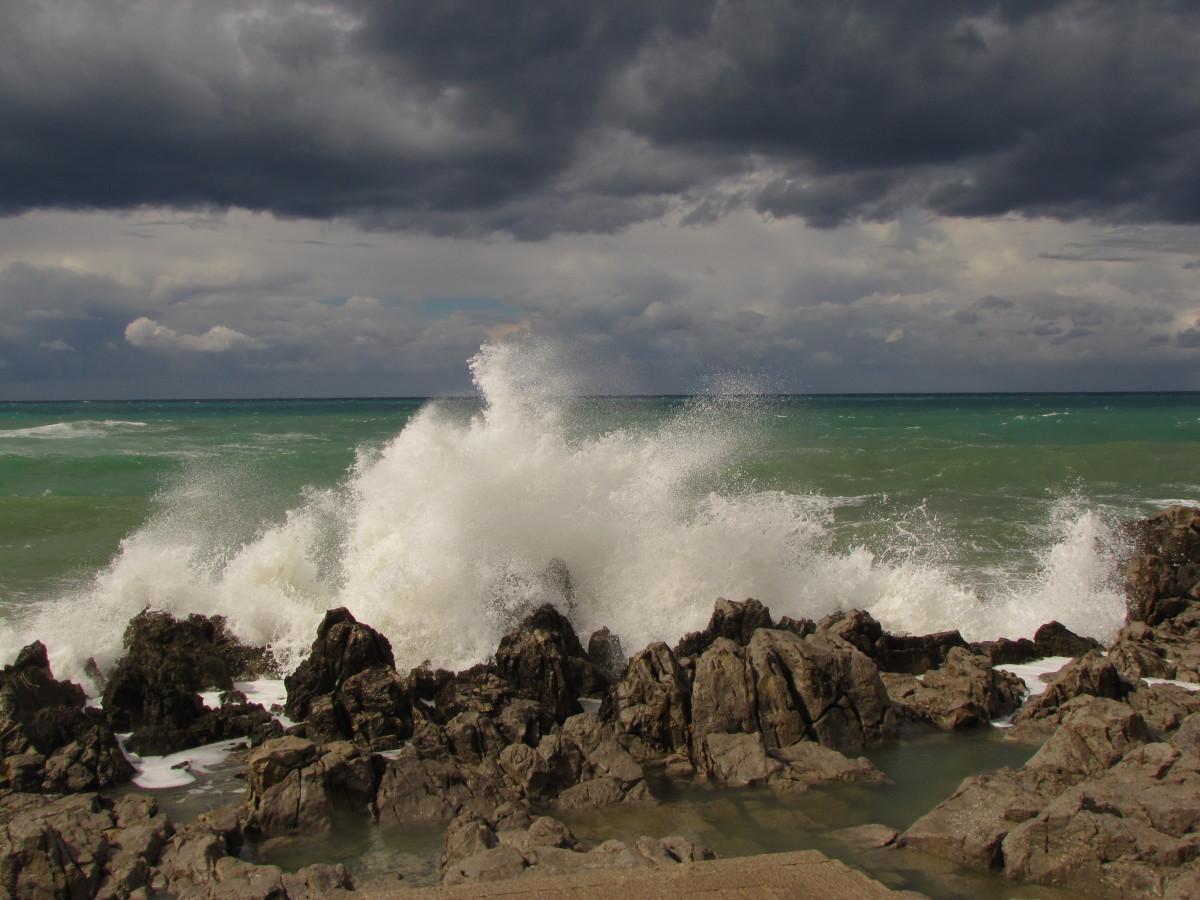 Surfs up in Cefalu