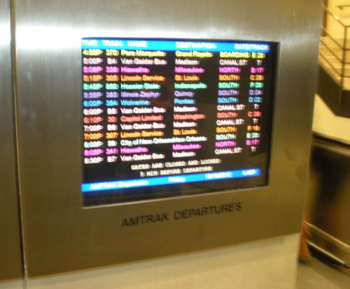 Amtrak Departures information screen.