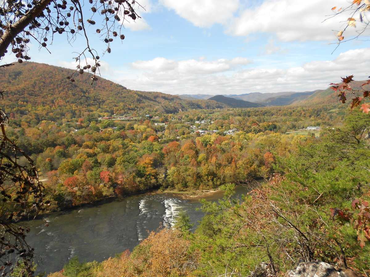 There are some truly spectacular views of the town of Hot Springs from Lovers Leap.