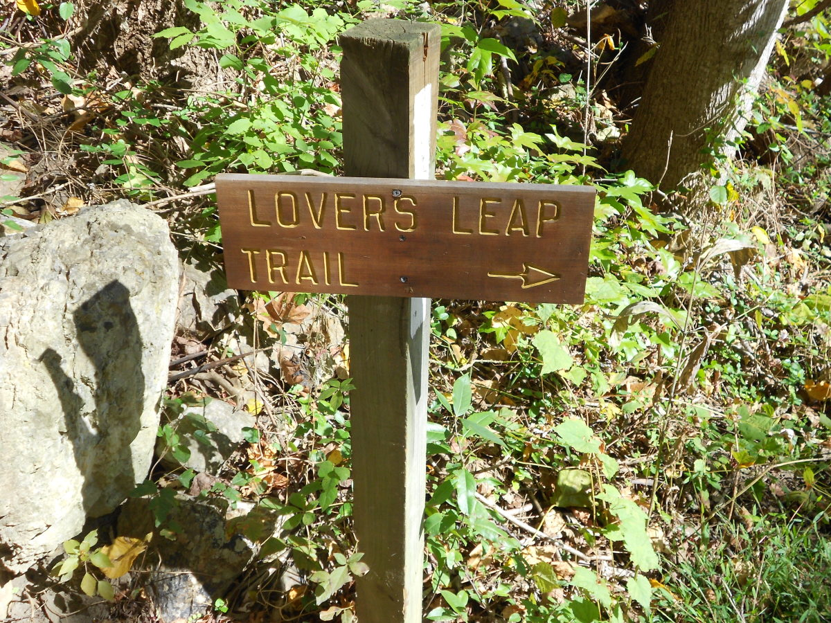 Lovers Leap is one easy hike that you can do from Hot Springs.  The trail is about 2.5 miles round trip and has some of the most spectacular views.