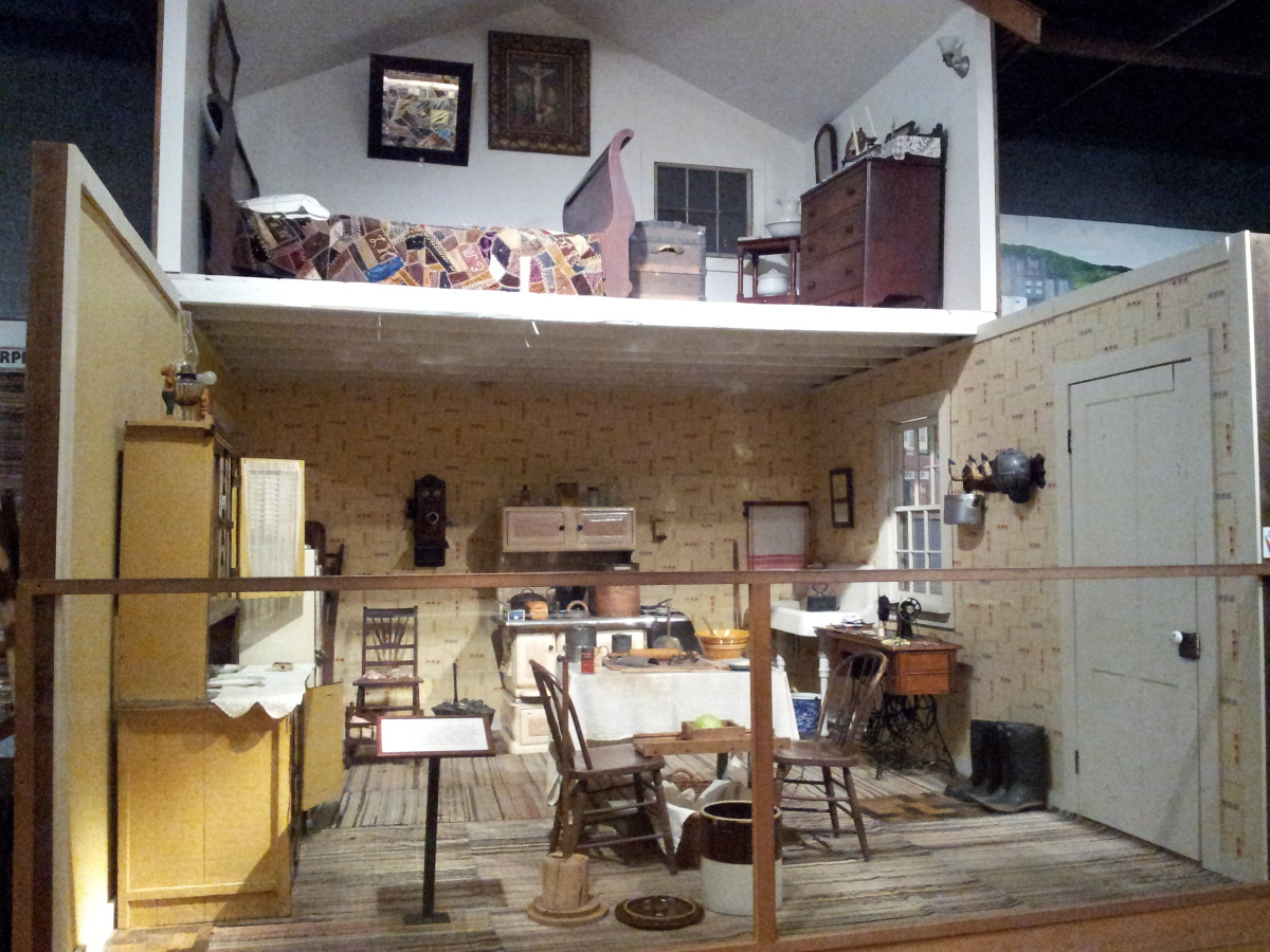 A model of an early house in Pennsylvania