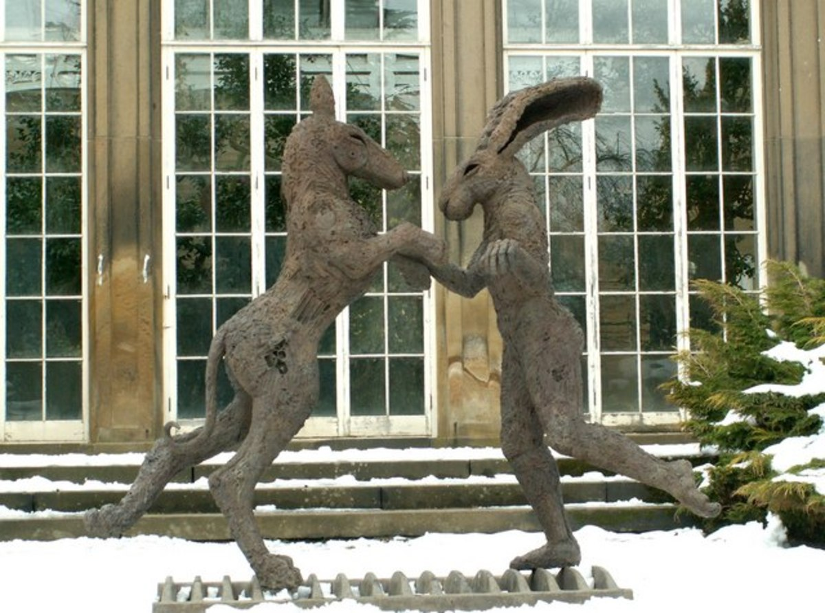 Sophie Ryder piece in front of the Camellia House.