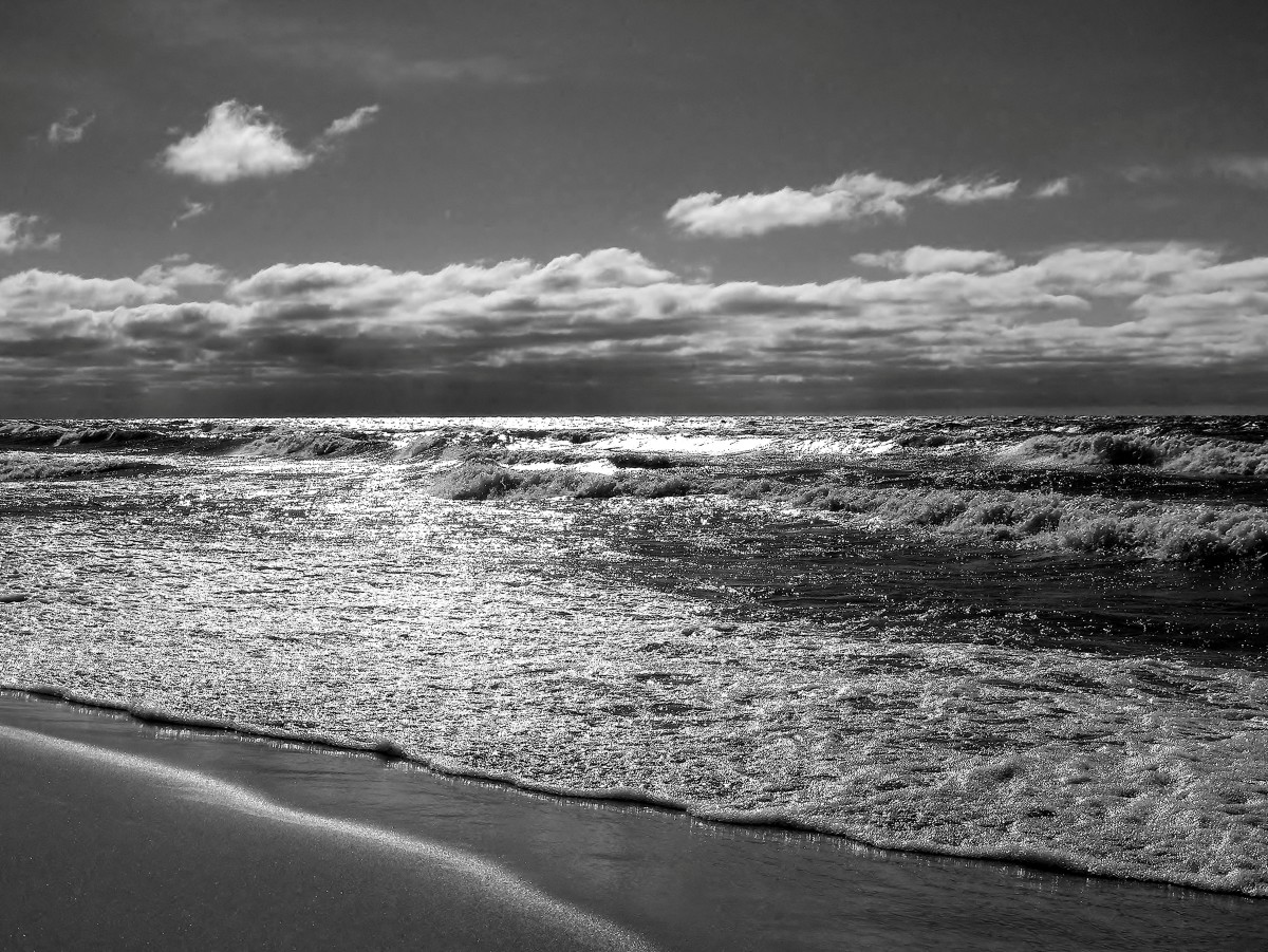 Know when it's best to stay out of the big lake - Lake Michigan