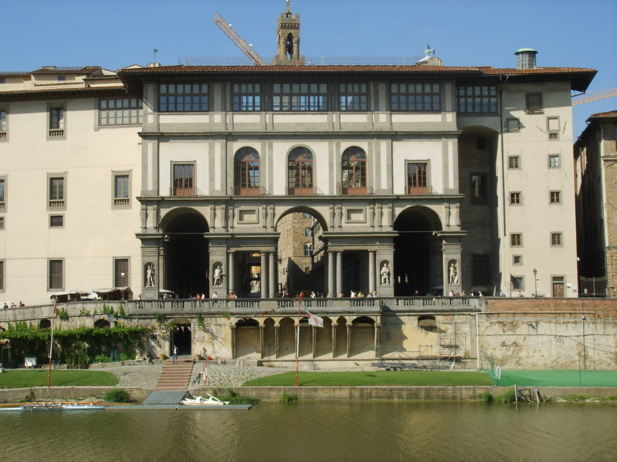 The Uffizi from across the Arno River