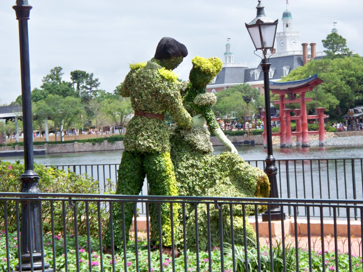 Prince and Princess - part of Epcot's International Flower and Garden Festival