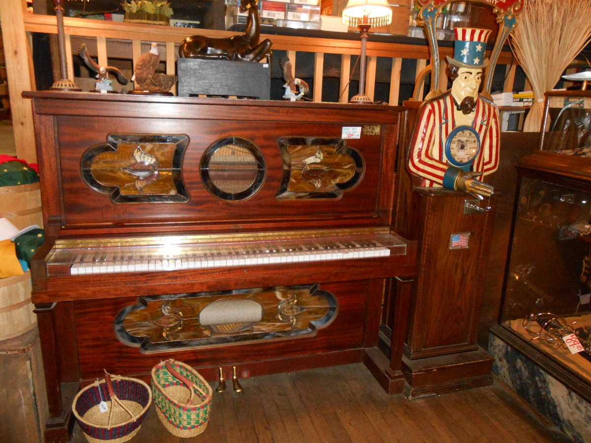 Old Time Player Piano at the Dahlonega General Store.