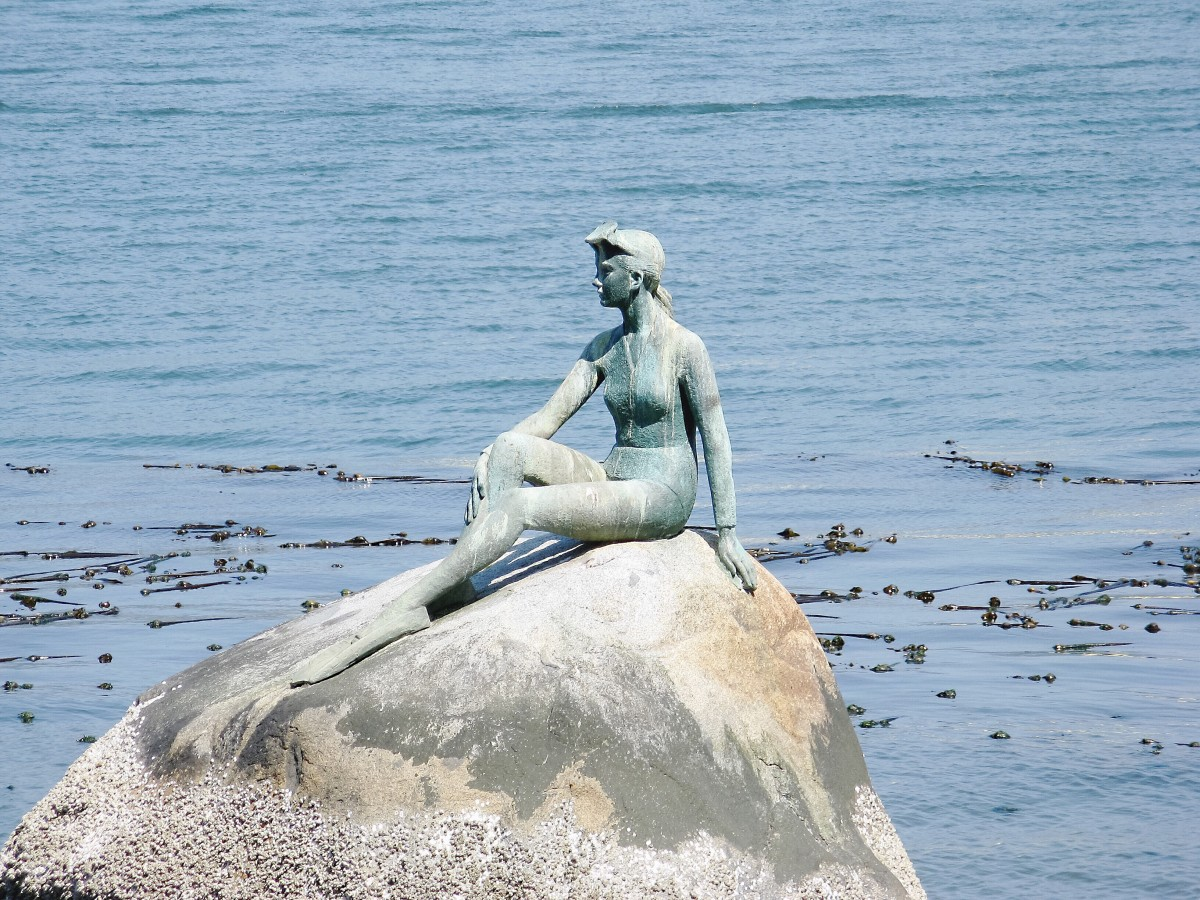 The girl in a wetsuit statue by Elek Imredy