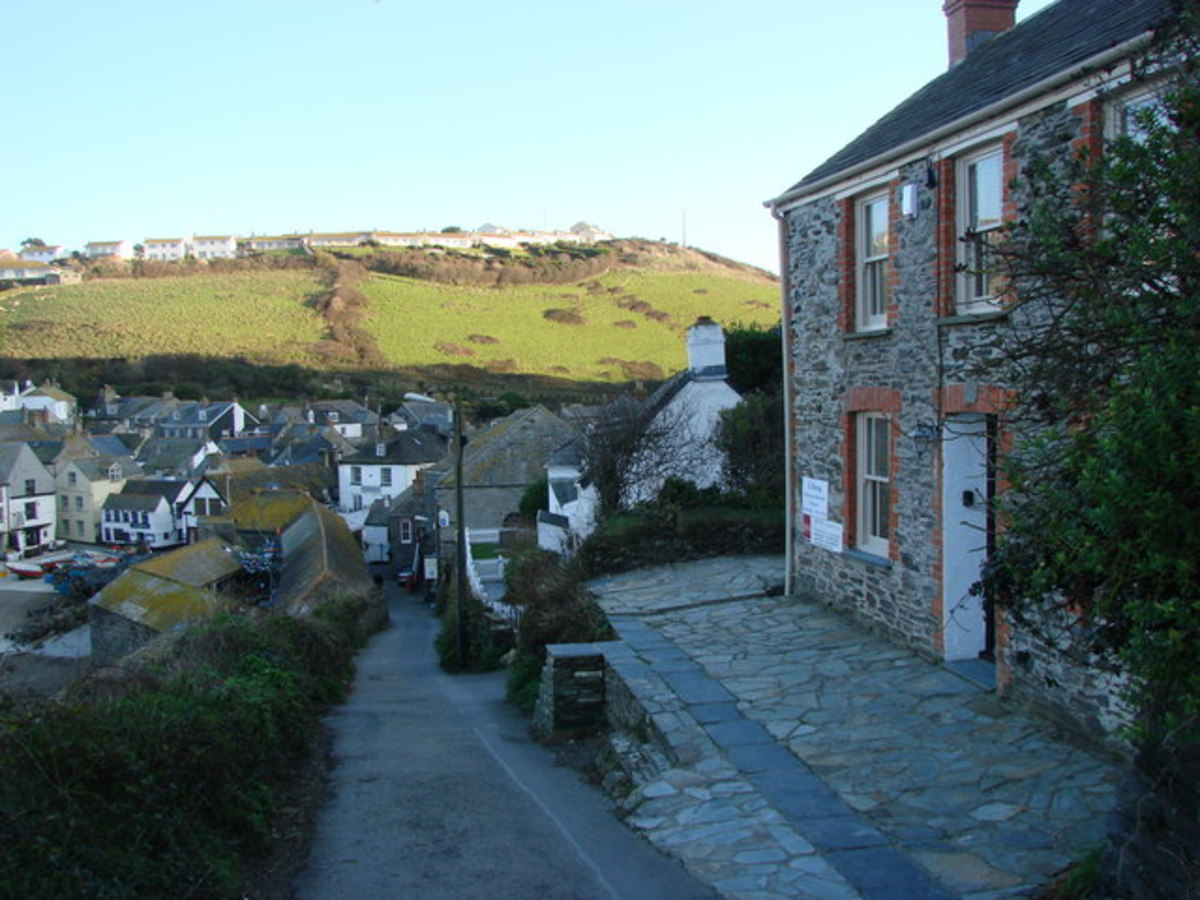 Port Isaac, Where Doc Martin is Filmed: Doc Martin's House, Fern Cottage, Roscarrock Hill