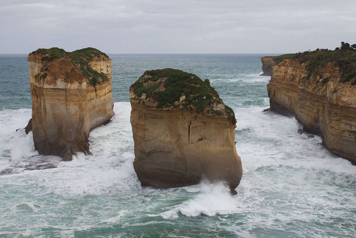 Loch Ard Gorge (Now Tom and Eva, after collapse), Australia