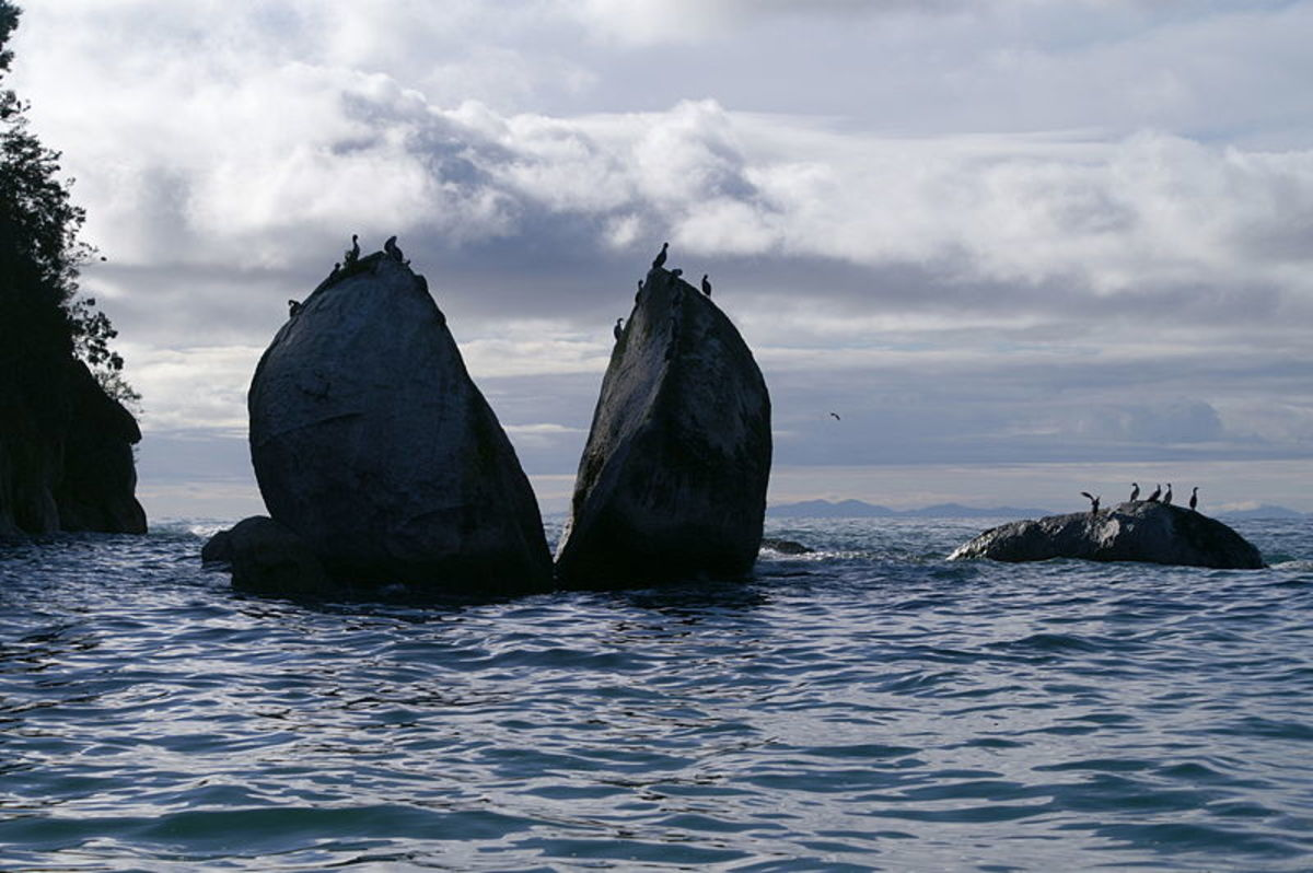 Split Apple Rock, New Zealand