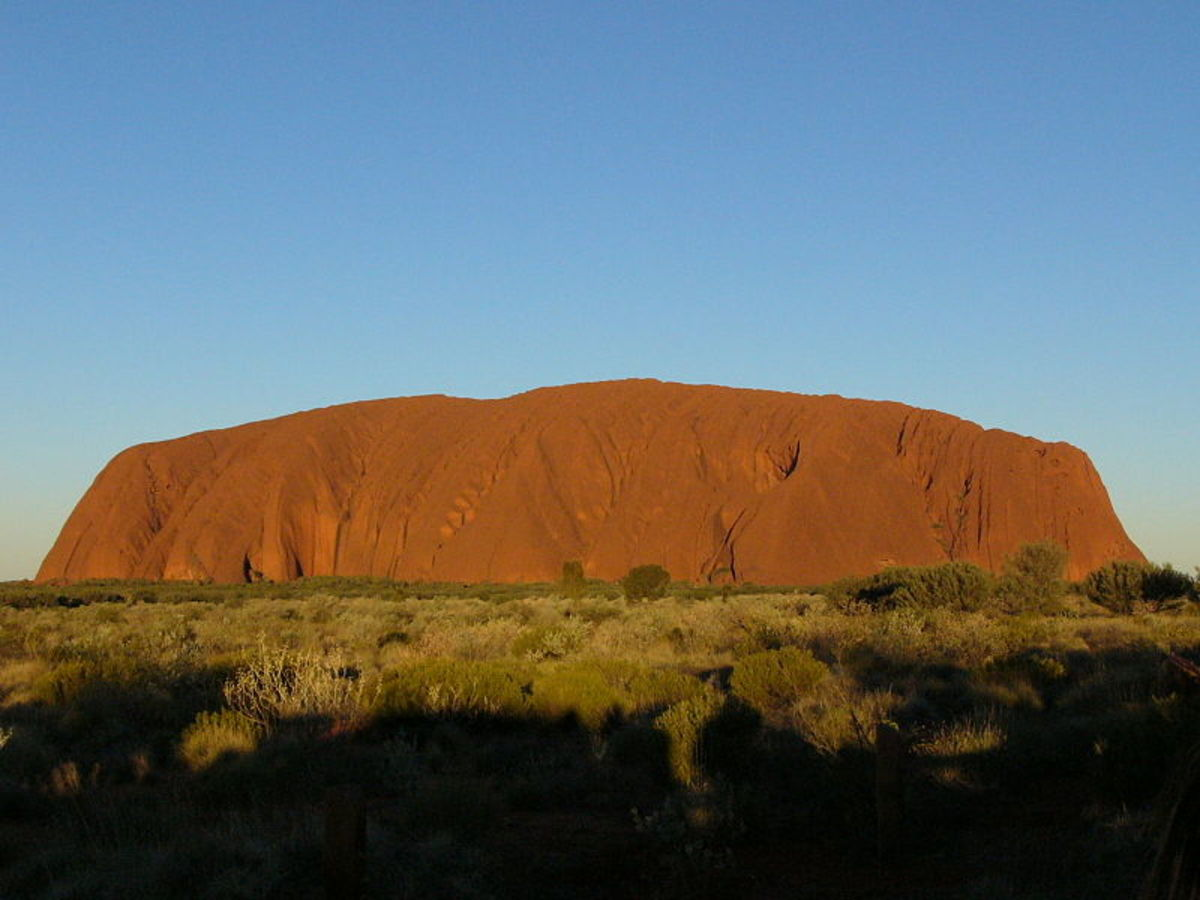 Ayers Rock (Uluru) at Midday