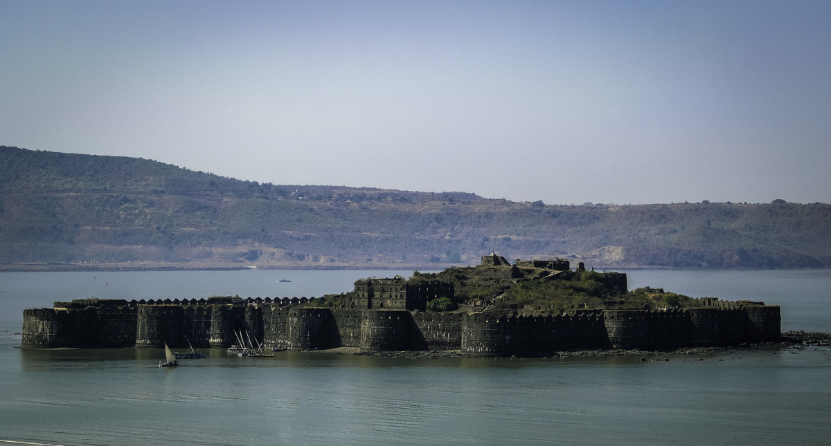 The Murud Janjira Fort in Maharashtra is a beautiful place to spend a day.