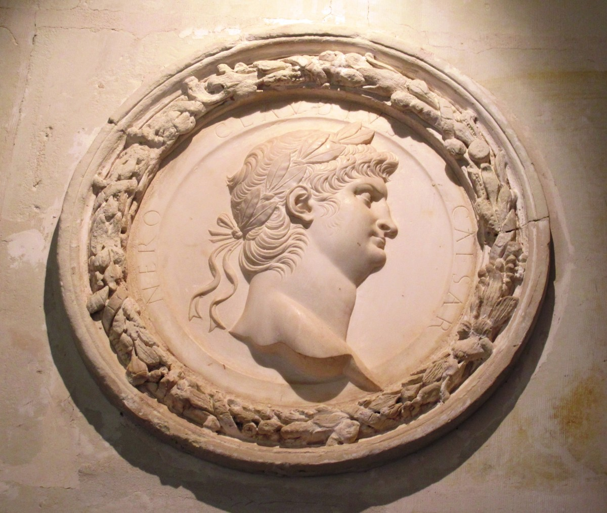 Catherine de' Medici added marble medallions in the likeness of Roman emperors.
