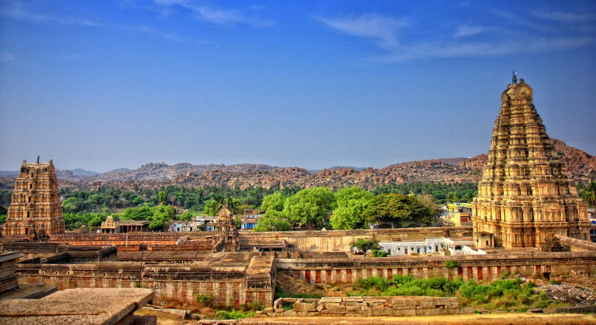 The Virupaksha, or Pampapathi temple, is the main center of worship for pilgrims to Hampi.
